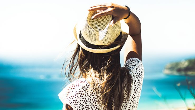 How to protect yourself against the sun without applying toxic chemicals onto your skin